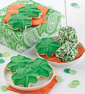 Marshmallow St Patrick's Day Pops and Cookies
