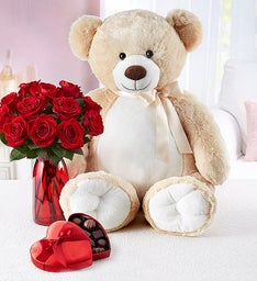 Big Bear for Romance with Red Roses