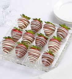 Berrylicious Chocolate-Covered Strawberries – 12 Count